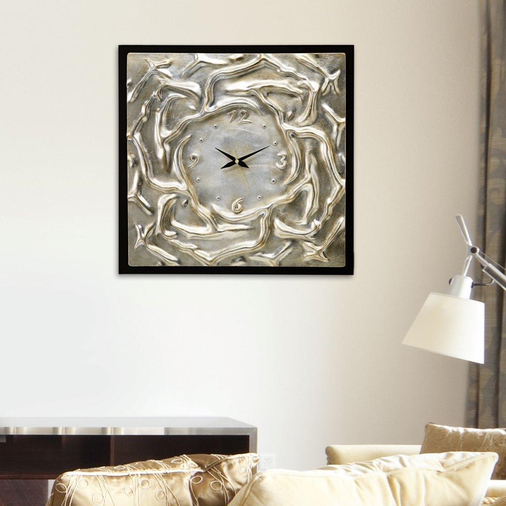 ピントデコール」は、イタリアはエミリオ・ロマーニャ州、リッチオーネ市にあるアドリア・アート社(以下、「アドリア社」)が100%ハンドメイドで制作しているモダンアートのプロダクトラインです。アドリア社については下記をご参照ください。